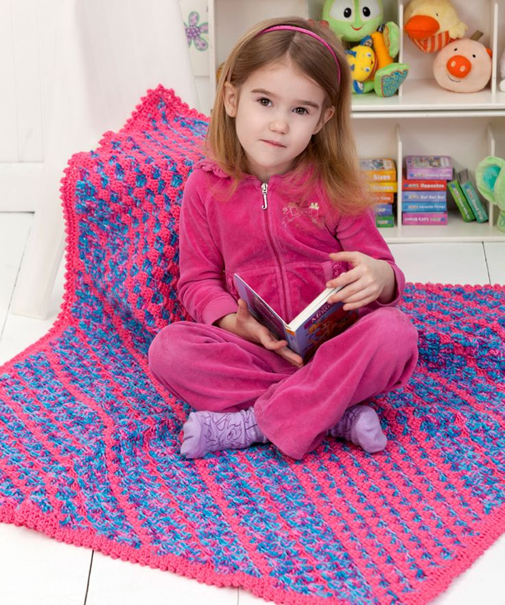 Daydreamer Diagonal Blanket    http://www.redheart.com/free-patterns/daydreamer-diagonal-blanket
