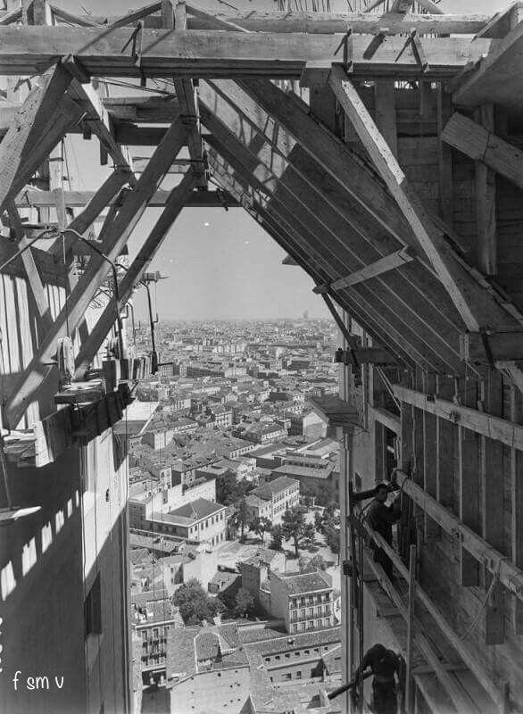 Edificio España en construcción J.M.Pando