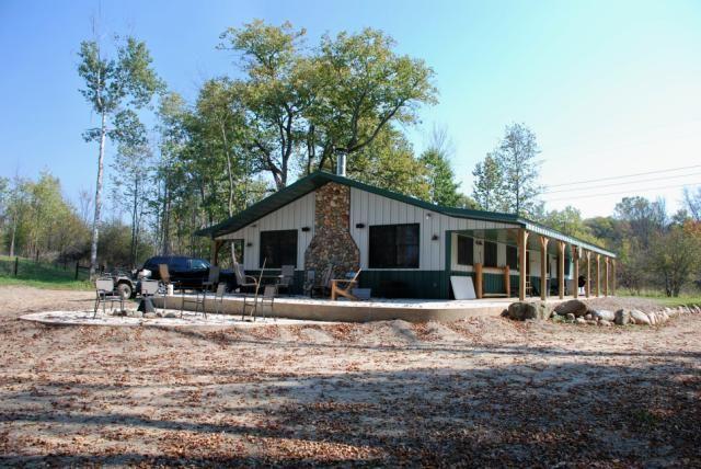 Wick Buildings Hunting Lodge in Northern Michigan