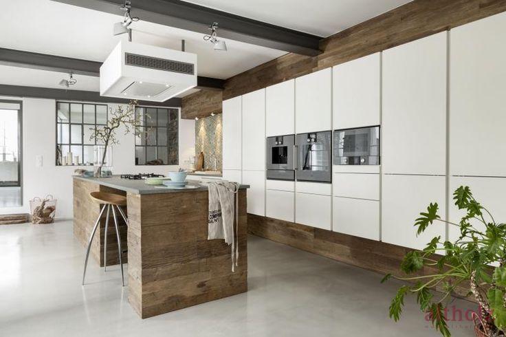 Schönste Küchen des Jahresu2026 » Altholz - Aus Freude am Original - küche ohne griffe