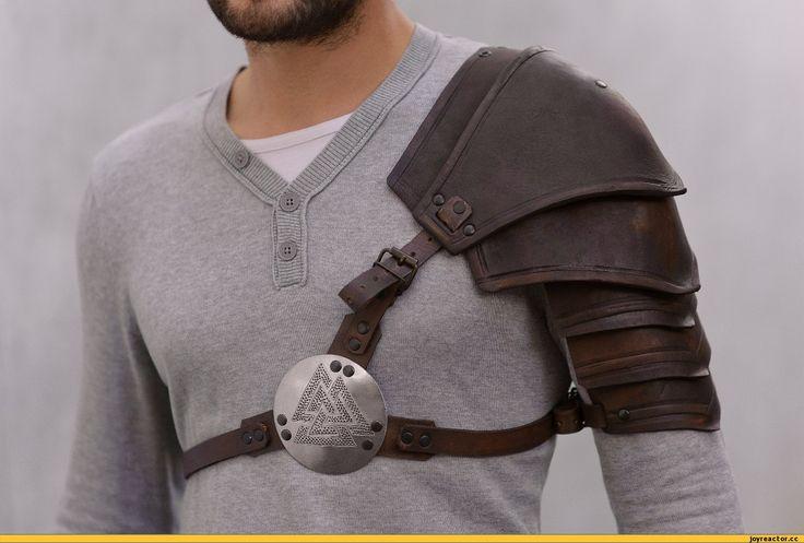 LARP Armor - Leather Pauldron- Valknut: Odin's Symbol of Norse Viking Warriors…
