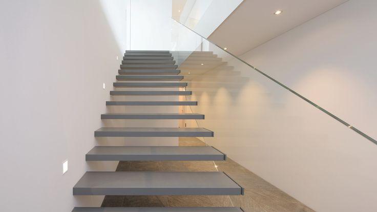 Treppe mit Glaswange, glass stiar, Glastreppe