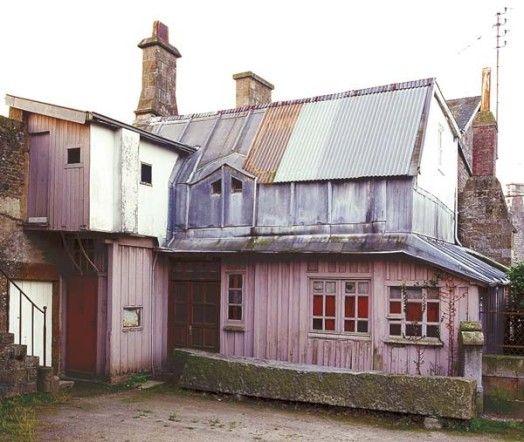 Ancien atelier de photographe Adresse : Louvigné-du-Désert, France (Topic Topos)
