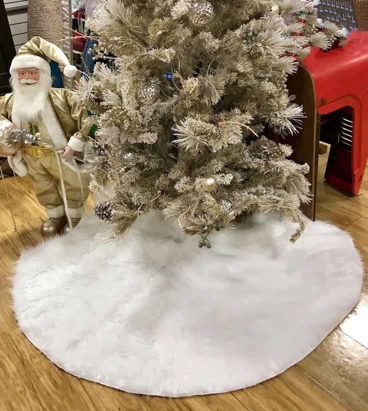 White tree skirt, Christmas tree skirt, white faux fur tree skirt, fur tree skirt, white Christmas tree skirt, Christmas decor, home decor by FantasyFabricDesigns on Etsy