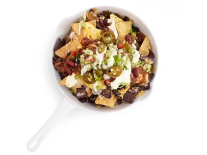 Big Dish O' Nachos from #FNMag: Food Network, Yummy Dishes, Italian Food, Foodnetwork Com, Nachos Recipe, Foodnetwork Magazines, Cheese Sauces, Big Dishes, Appetizers
