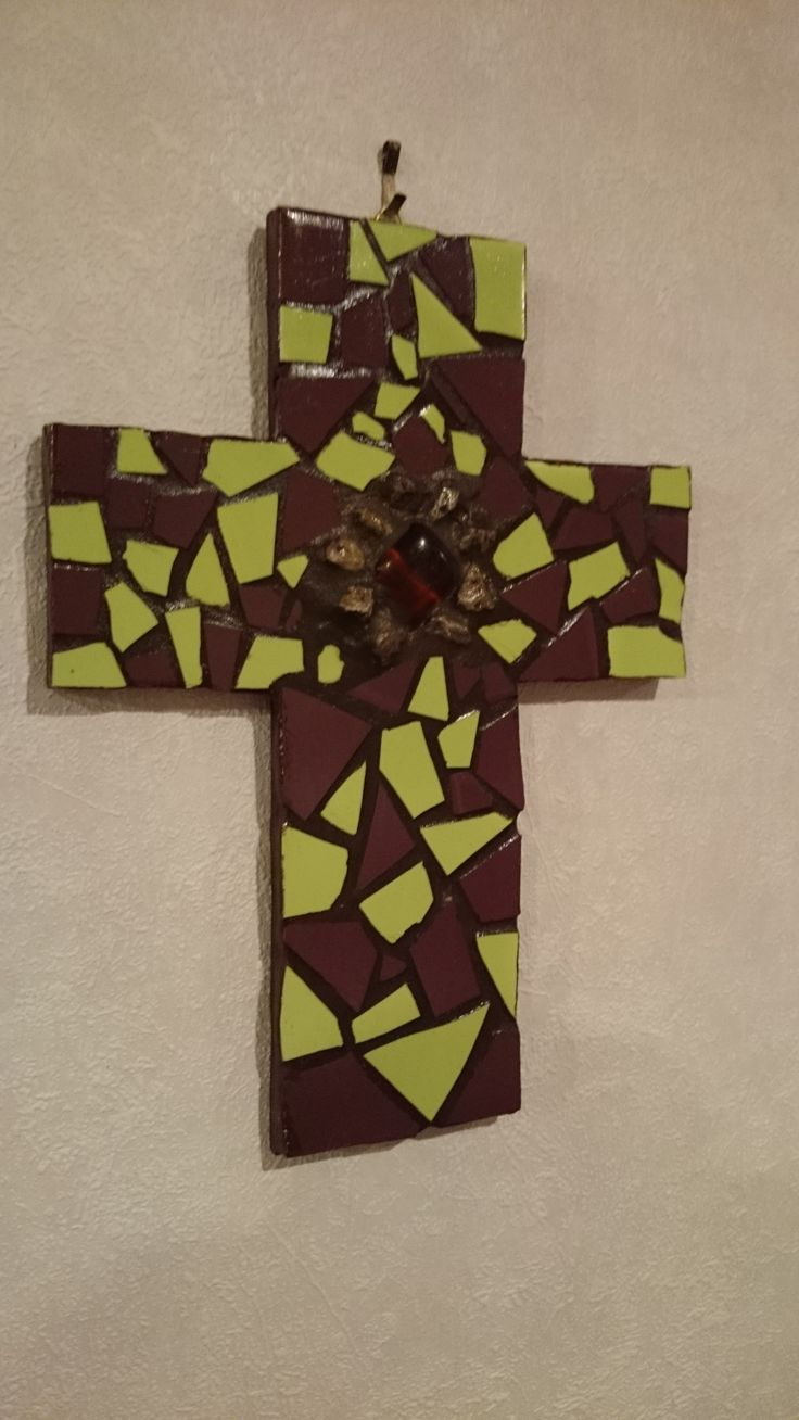 Mosaic green and brown cross