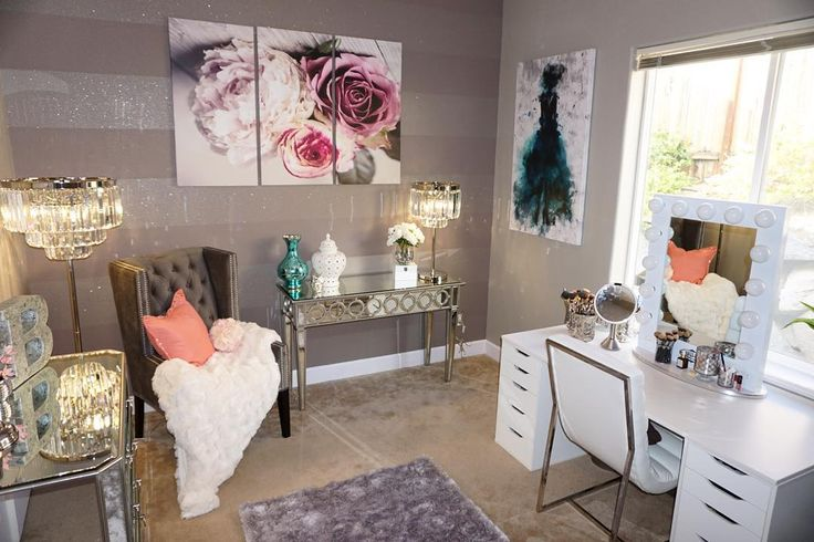 """""""For the ladies who were asking about my vanity room wall color details.. It's in my August favorites video if you wanna check it out #vanityroom…"""""""