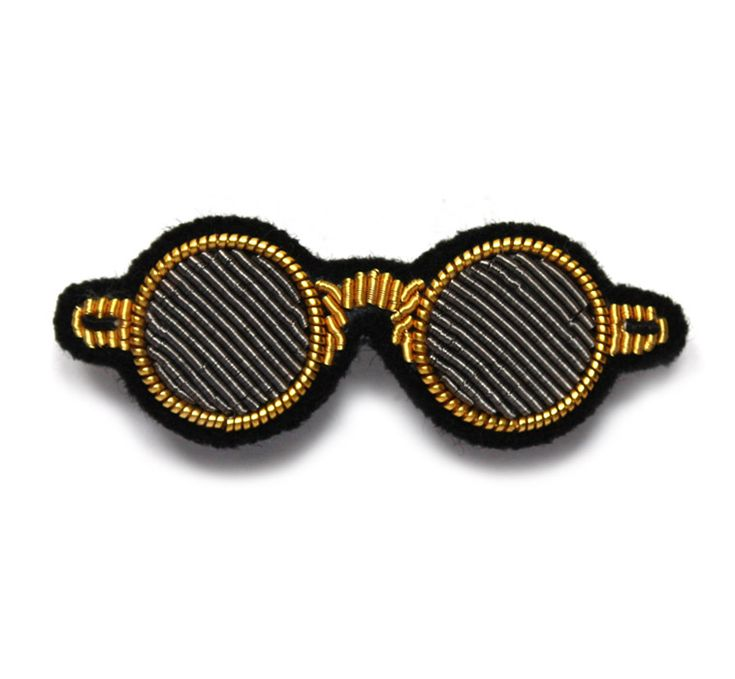 small embroidered round glasses pin