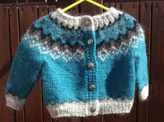 Icelandic sweater with buttons, for 6-12 months old, handmade, Icelandic cardigan, made of Icelandic wool