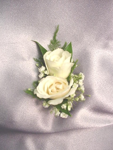 Simple Rose Corsage This Size Looks Good Although I