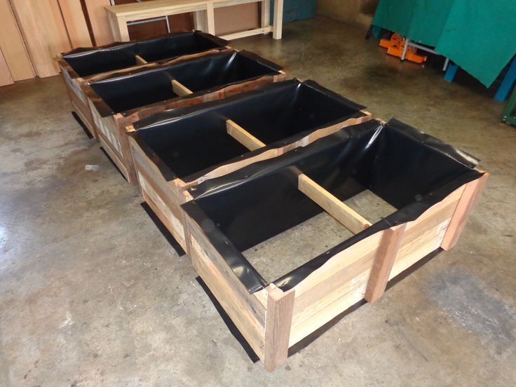 Planter boxes from reclaimed pallet timber