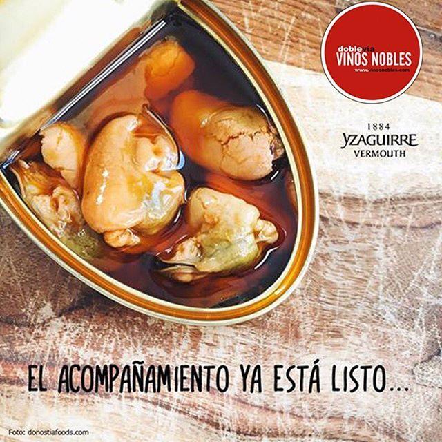 Nuestro #VermutYzaguirre es perfecto para maridar con mariscos, pero también lo es para maridar momentos. Visita: www.vinosnobles.com #VinosNobles