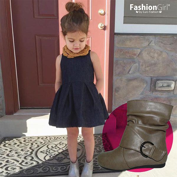 las botas estn de moda para las pequeas nias fashion con vestidos de vuelo lucirn