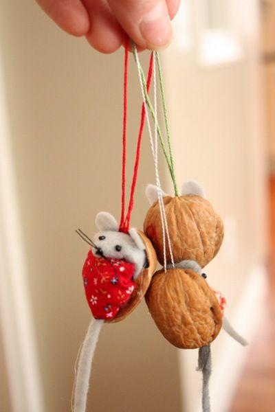 Walnut Shell Mice Ornaments Tutorial