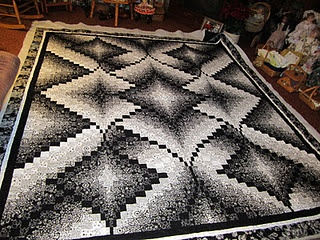 Two of my least favourites - bargello and black and white fabrics. Put them together, and I've fallen in love with this quilt. Absolutely stunning. Who knew it would take two of my least favourite quilting fads to make something I fell in love with?