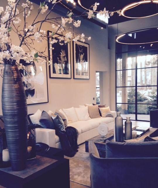 The Netherlands / Laren / Show Room / Living Room / Avalon / Cravt / Kabaz / Ron Galella / Eric Kuster / Metropolitan Luxury