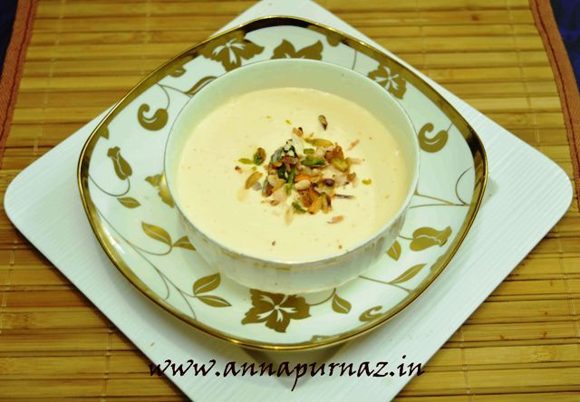 Zaffrani Srikhand / Kesar Elaichi Srikhand With Fresh Cottage  Cheese  A humble Indian dessert that can be whipped in minutes #srikhand #flavoredyogurt #sweetenedcurd #saffron #nuts #Maharashtrian #Gujarati #yummy Recipe at: www.annapurnaz.in