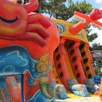 Youpiland, palmyre om the way to royan. 9.5E per kid.  Parc d'attractions, maneges pour enfant, jeux gonflables et trampoline - La Palmyre - 17 | YOUPI LAND LA PALMYRE Site officiel