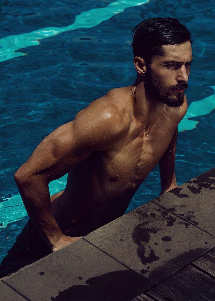 The borogodó of the Brazilian Male Model. Its fashion magazine photos of Brazilian male models managed by professional photographers