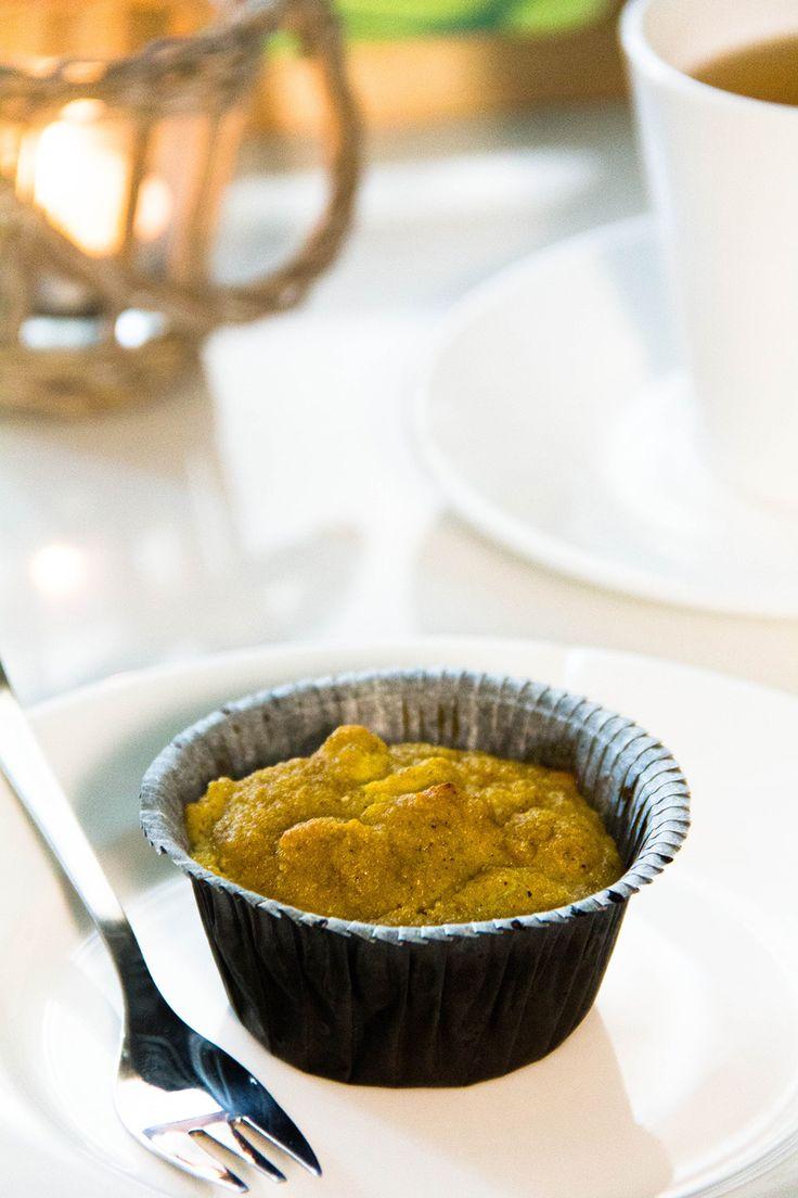 Кексы с ревенем без муки и сахара