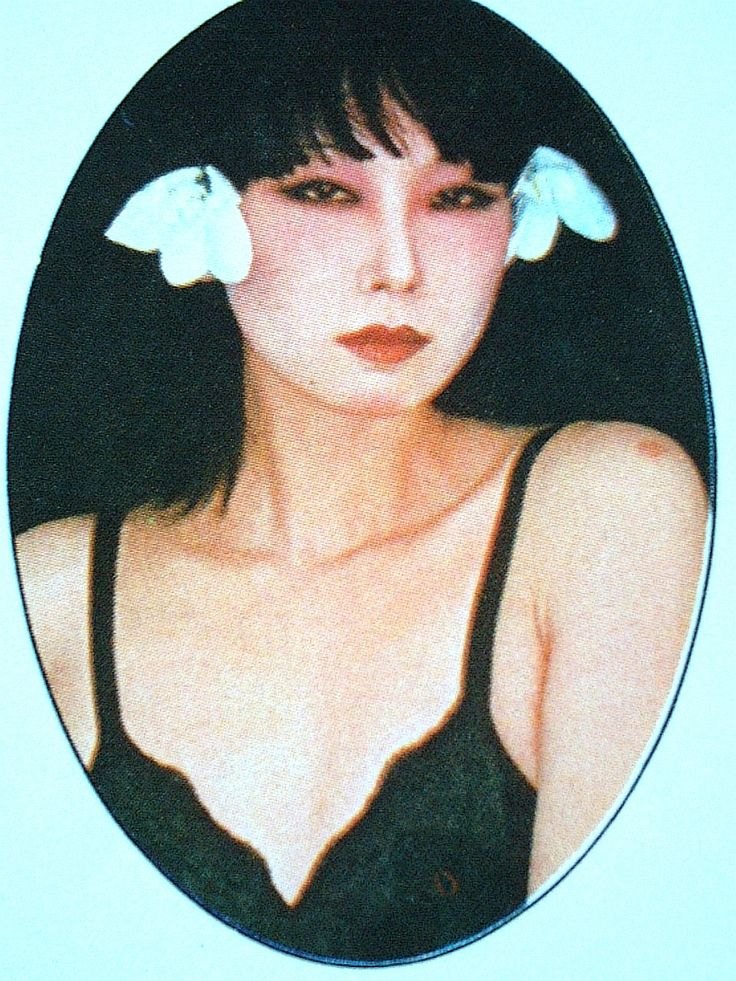山口小夜子。1975年8月創刊第2号「PLAYBOY」日本版のグラビアを飾った貴重な写真である。