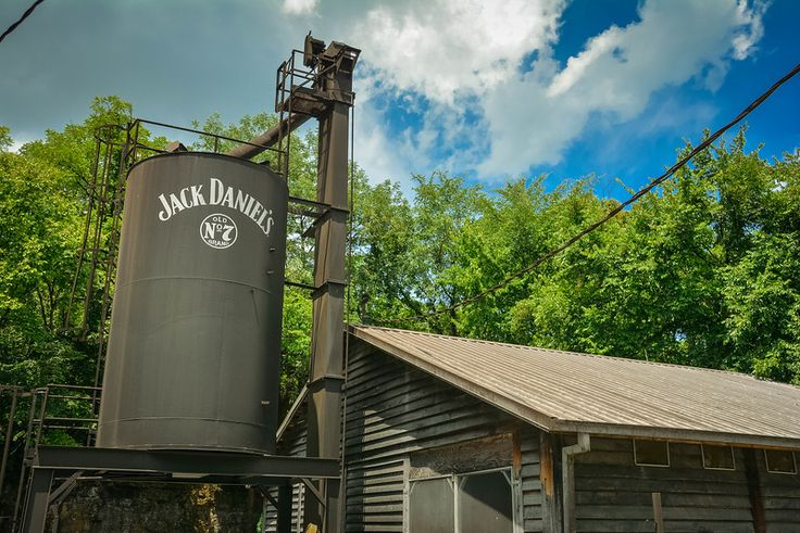 jack daniels distillery tour lynchburg tennessee
