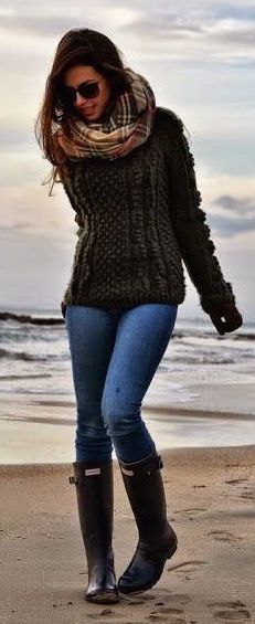 #fall #outfits / heavy knit + tartan scarf