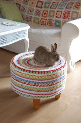 Adorable foot stool for bunny!  Or maybe just for my own feet!  This would look so cute in my bedroom too!  Now to find an old footstool in need of some recovering!