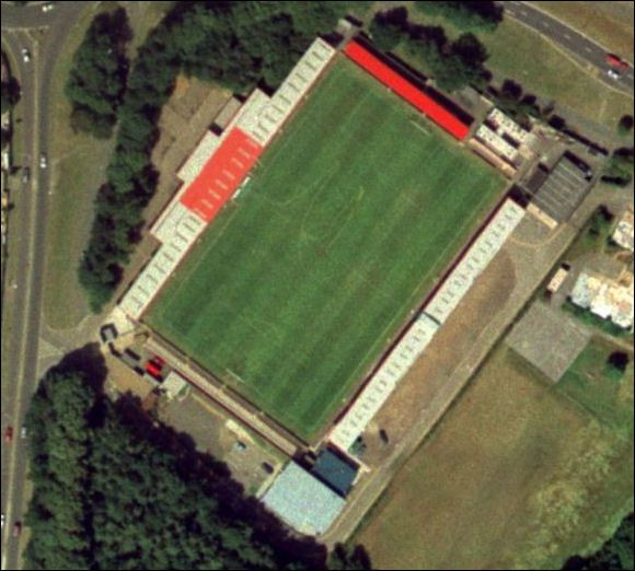 Stevenage F.C. - Broadway Way - 6.700 tilskurer