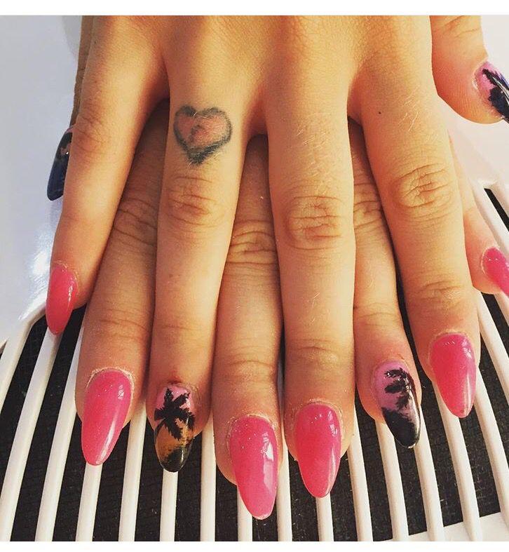 #ricostruzione unghie #nails #pink #pink nails #micropittura #beach #golden #palme