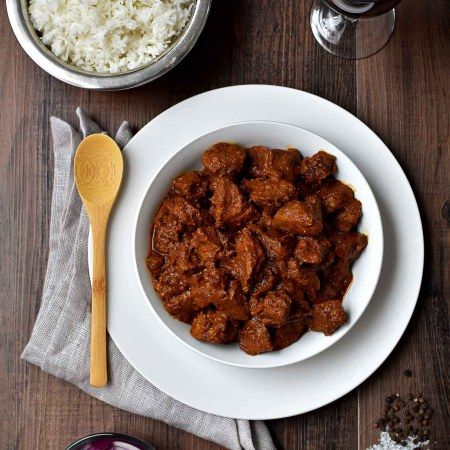 Pork Vindaloo - Pepper Delight #pepperdelightblog #recipe #vindaloo #thanksgiving #newyear #pork #kerala #goanporkvindaloo #slowcooked #christmas #holidayrecipes #goa #goanrecipes #festivals