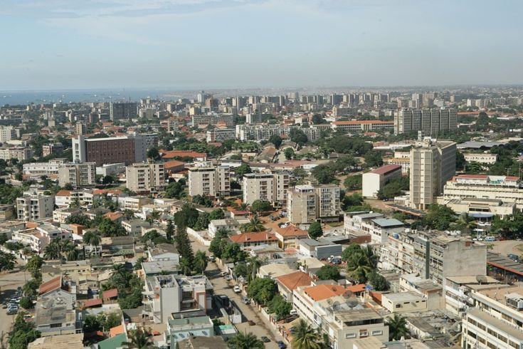 Luanda - other aerial - you can see the Hotel Alvalade in the background, and also the area where The National Library will be built.