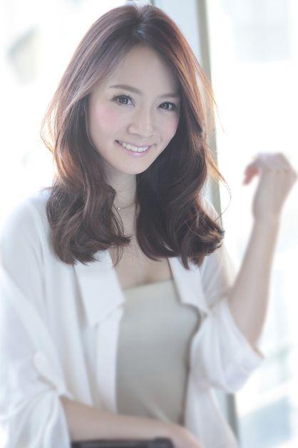 AFLOAT JAPANのヘアスタイル | 大人かわいいセミディ | 東京都・銀座の美容室 | Rasysa(らしさ)