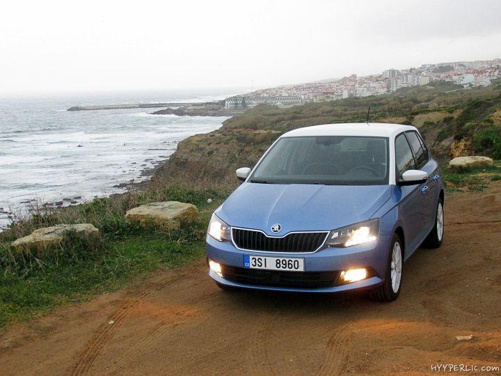 Wie wir in unserer Bildergalerie des Skoda Fabia in Denim Blue bereits angekündigt haben waren wir vergangene Woche mit dem Skoda Fabia in Portugal, nahe Lissabon, unterwegs und konnten einige Fahreindrücke während unserer Testfahrt aufsammeln. Das kann der Skoda Fabia Der neue Skoda Fabia, das zweit-meistverkaufte Auto hinter dem Octavia aus dem Hause Skoda, ist …