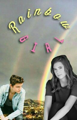 #wattpad #novela-juvenil -¿Por qué me llamas chica arcoíris?-Preguntó con cautela, como si temiera arrepentirse -Porque creo que es un mejor insulto que chica fresa - Sonrió con suficiencia