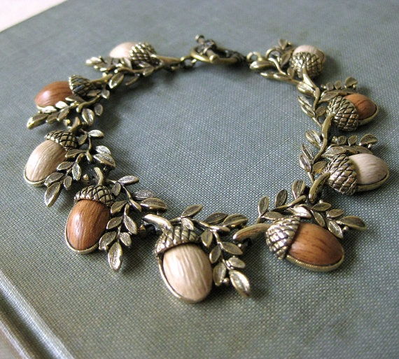 835 best images about acorn fairy on pinterest image for Acorn necklace craft