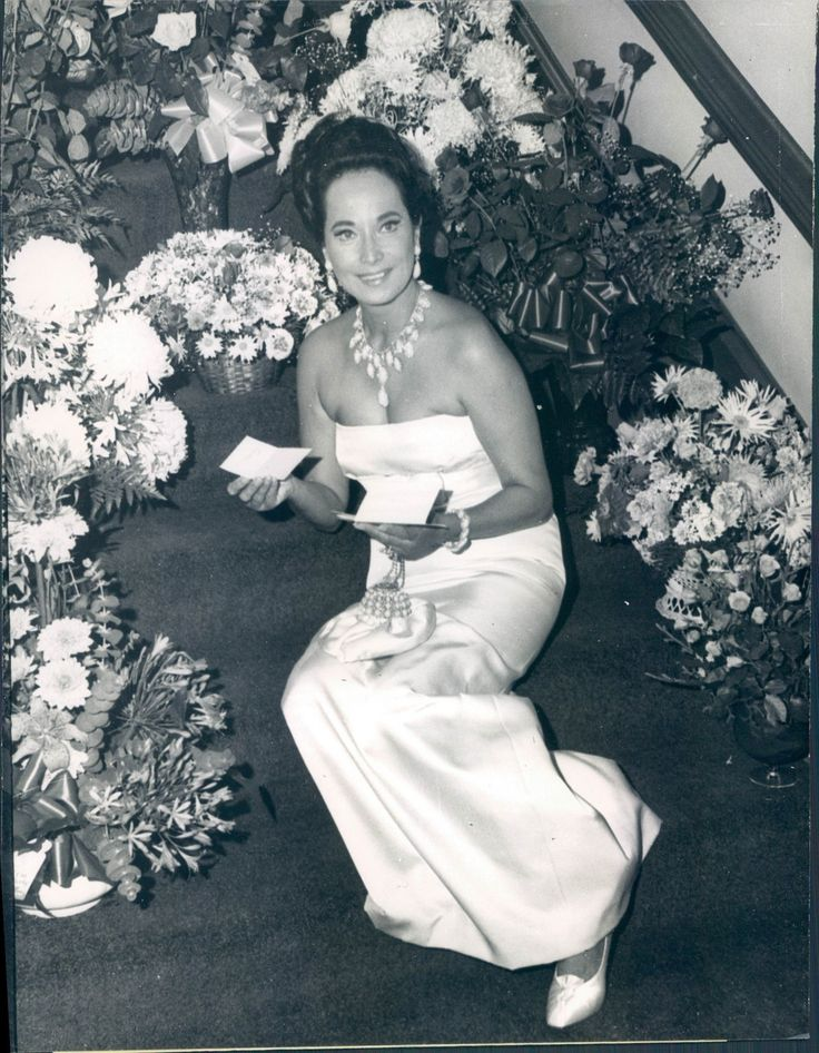Merle Oberon | Old hollywood glam, Hollywood glam, Old ...