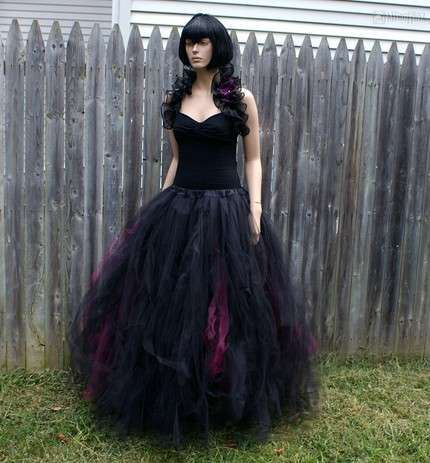Gothic Wedding Gown  Goth Wedding  Pinterest  Schwarze ...
