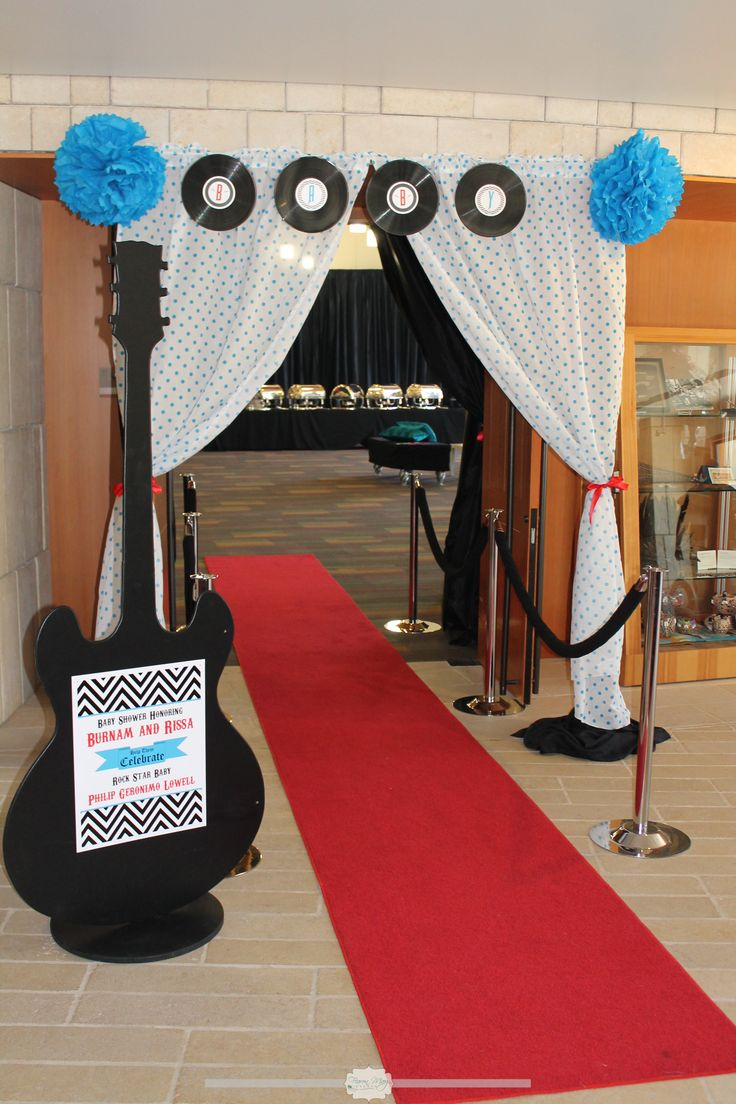 Don't like the curtains at all but I love the idea of red carpet and guitar stand for entrance!!