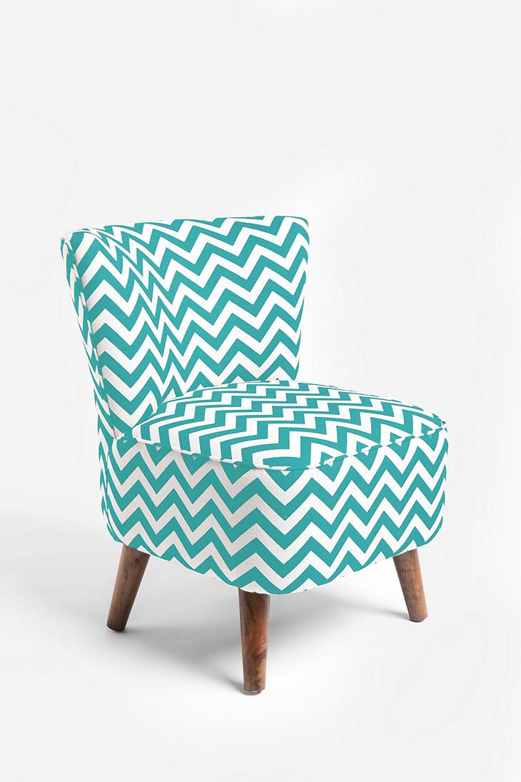 Zig-zag chair. #chevron