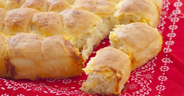 Fotorecept: Tutmanik - syrový chlieb - dôkladná príprava krok za krokom. Recept patrí medzi tie najobľúbenejšie. Celý postup nájdete na online kuchárke RECEPTY.sk.
