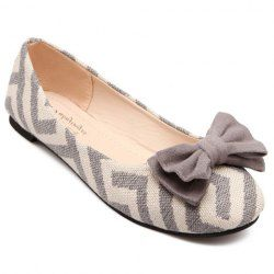 Sweet Women's Flat Shoes With Zig Zag and Bowknot Design. Less than 10 bucks!!. Sammydress.com
