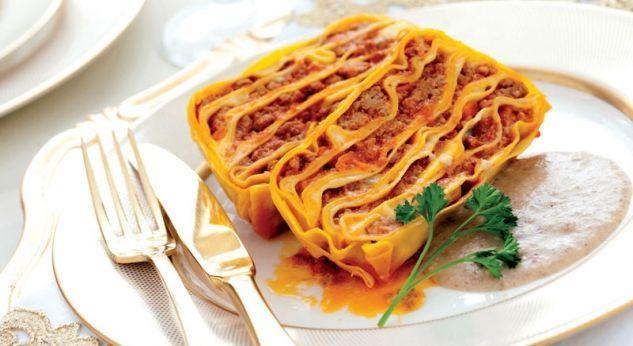 Recetas: Pastelón de pasta al ragú con crema de hongos