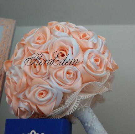 Нежный, персиковый букет невесты из атласных лент. Купить или заказать букет невесты можно в Нарве. Доставка по всей Эстонии Информация: + 372 53 815 356