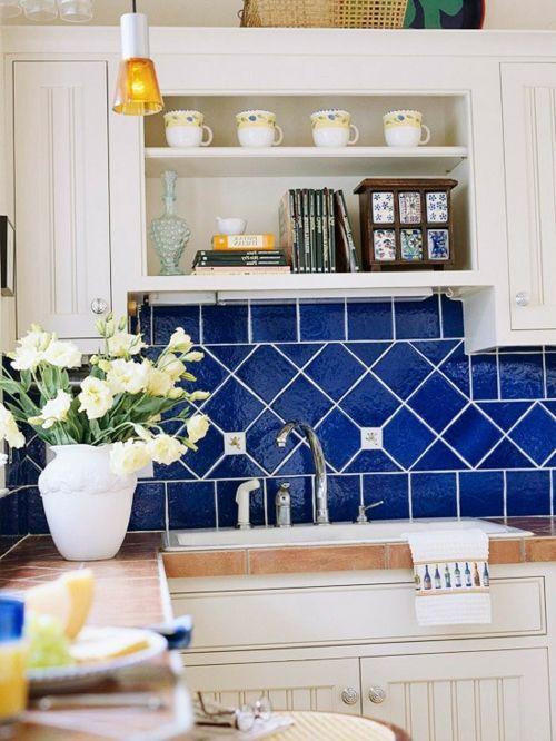 Attraktive Wohnideen, wie man eine Küchenrückwand einbauen kann - fliesenspiegel glas küche