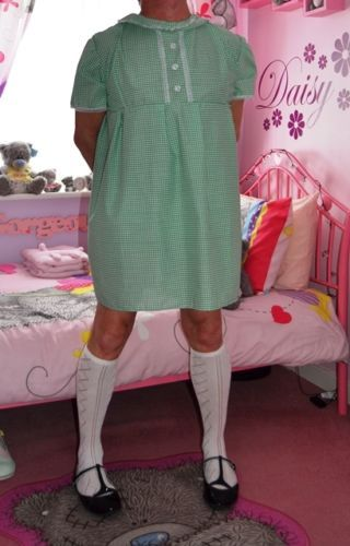 Adult-Size-Traditional-style-Short-Summer-Gingham-School-Dress-From-Nanny-Sue