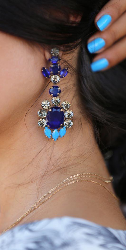 Gorgeous blue dangly earrings. Wear with #Jovani style 91011…
