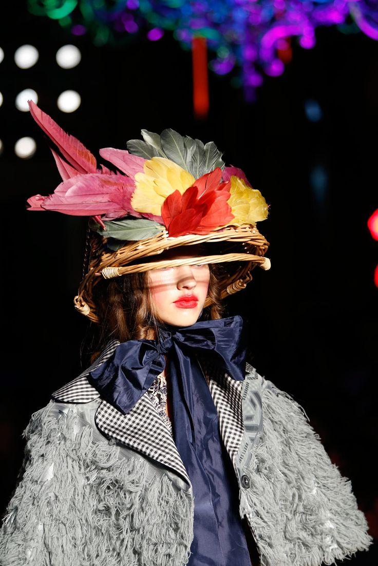 Vivienne Westwood Spring 2015 Ready-to-Wear Accessories Photos - Vogue