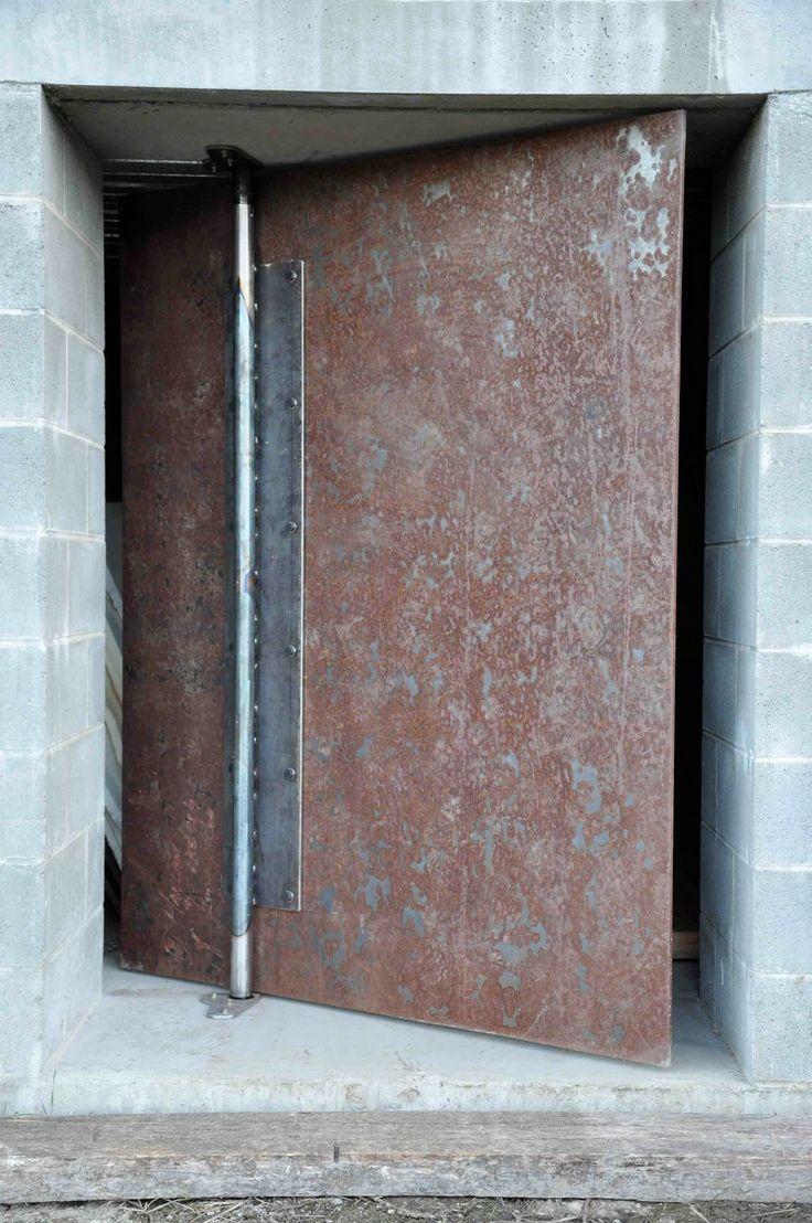 machine. Pivot door