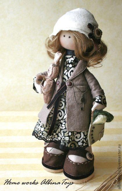 Muñecas hechas a mano de colección. Masters Feria - textiles hechos a mano muñeca de colección Rita en tonos café .. hecho a mano.